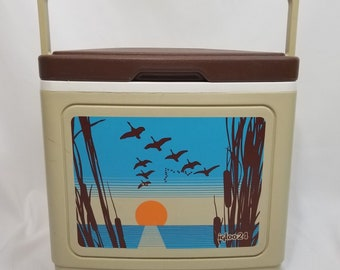 Vintage Retro IGLOO (IGLOO24) Cooler with Sunset Motif - Large - Unique