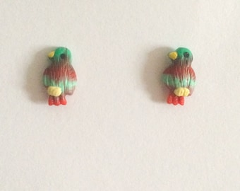 Vintage 1980's Red Green Blue Silver Dainty Cute Birds Kitsch Stud Earrings