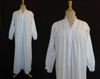 Vintage Nightgown - Victorian Style Nightgown With Broderie Anglaise, Eyelet, Yoke - Bust 91-96 cm