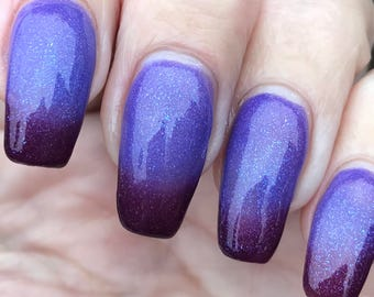 Berry Frost  thermal nail polish