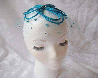 Turquiose ribbon mini hat with turquoise veil, fascinator, formal mini hat, party hat, blue green hat