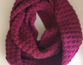 Chunky Infinity Scarf in Magenta