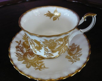 "Royal Albert ""GOLDEN ROSE"" Teacup and Saucer"