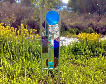 Stained glass garden stake  - Beautiful art for your garden