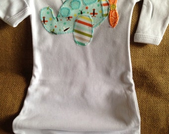 applique airplane infant gown, boy baby gown, boy baby shower gift, airplane applique
