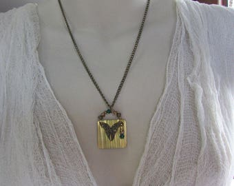 Flitter Butterfly Necklace