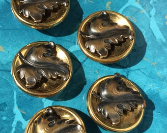 Grand Vintage Leaf Motif Buttons of Brass 40's 50's