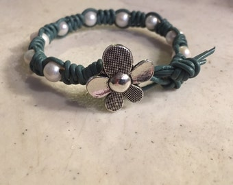 Sage Green Bracelet - Macrame Jewelry - White Pearl Gemstones - Leather - Fashion - Trendy - Beaded - Silver Flower Button