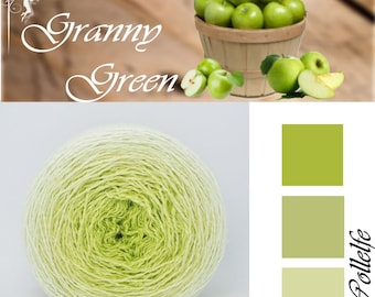 Granny Green* Merino silk Gradient Yarn hand dyed - Lace weight