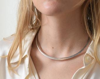 Minimalist Collar Necklace Vintage Silvertone