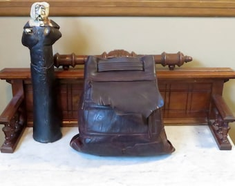 Dads Grads Sale Striking Mahogany Leather Backpack With Exterior Pocket And Cinch Closure -VGC