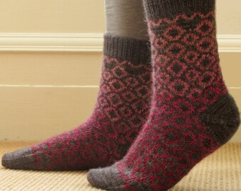 Leominster Socks - PDF knitting pattern