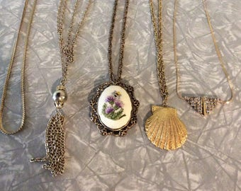 Lot of 5 Gold Finish Chains/Pendants/Necklaces/Costume Jewelry