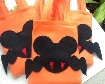 TRICK OR TREAT Halloween felt party favor bags Mickey mouse vampire Set of 4