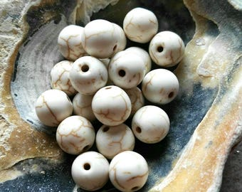 20 White Turquoise Howlite Gemstone Beads 8mm