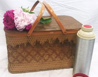 Large Vintage Picnic Basket