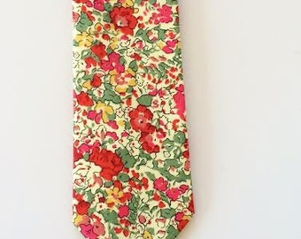 SHIPS IMMEDIATELY, Christmas tie, holiday tie, Liberty of London Tie, red floral tie, liberty of london necktie, liberty tie, holiday tie