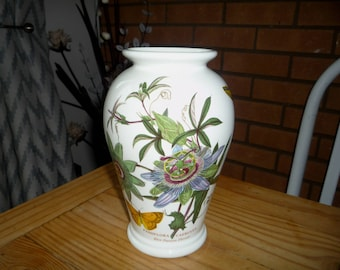 Portmeirion Vase Blue Passion Flower  PASSIFLORA CAERULEA
