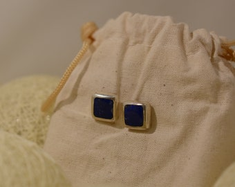 Earrings in silver and lapis lazuli