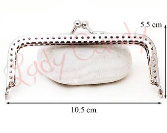 Clasp coin purse from 10.5 cm x H 5.5 cm color: Silver #330021