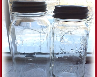 2 Atlas Mason Quart and 3/4 Quart Sized Vintage Jars Set of 2 with Zinc Lids