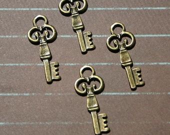 2 paire de 4 Pcs. Antique breloque en laiton finition clés or coeur Secret Victorian Lady Vampire Dickens Sherlock Holmes Skeleton Key Lock