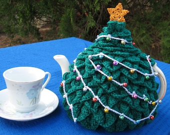UK & Australian terms PDF pattern for a Xmas tree tea cosy in crochet..