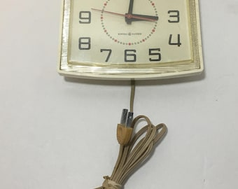 General Electric Wall Clock Model 2110-A, Mid Century