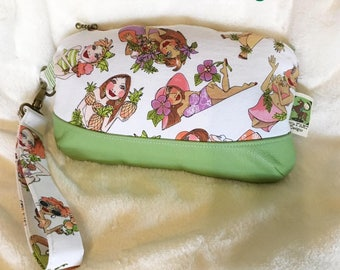 Beach Ladies Zipper Pouch Wristlet