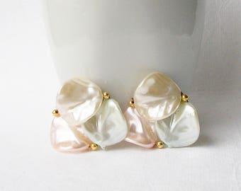 Vintage Pale Pastel Clip Earrings, Vintage Pink Clip Earrings ,Vintage White Clip Earring