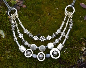 3 strand silver flower and circle necklace