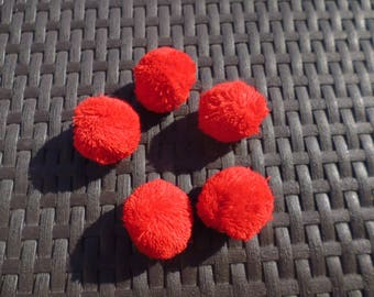5 tassels of red color about 4 cm