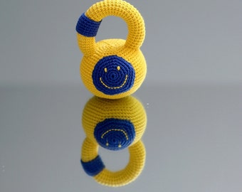 Crochet personalized kettlebell - Crochet rattle with smiley face - Crochet personalized rattle fitness weight - Rattling toy with initials