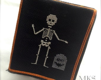 Skeleton with Gravestone - Halloween Cross Stitch Pattern - Instant Download