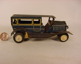 Vintage Old Collectible * Tin Toy Friction Car Station Wagon Truck