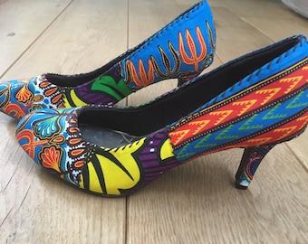 Size 5 (UK)/38 (EU). Low heel, colourful pumps