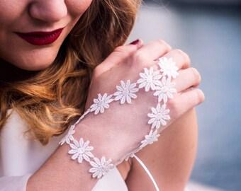 Wedding Gloves,Wedding Lace Gloves,Bridal Gloves,Wedding Gloves Fingerless,Floral Wedding Gloves,Bridal Lace Gloves,Short Wedding Gloves