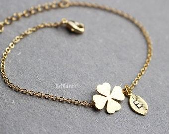 Personalized Four leaf clover bracelet, Lucky charm, Everyday jewelry, Bridesmaid jewelry, Wedding bracelet, Initial bracelet