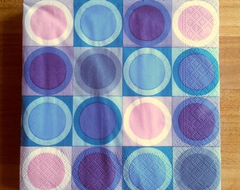 Pack of 20 paper napkins circles
