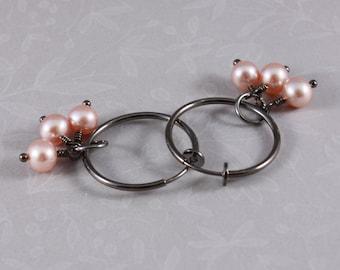 Clip hoop earrings Gunmetal clip hoops with pink freshwater pearls by EarthsOpulence