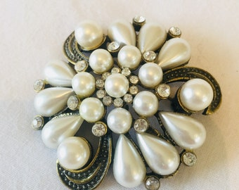 Large faux pearl and rhinestone brooch