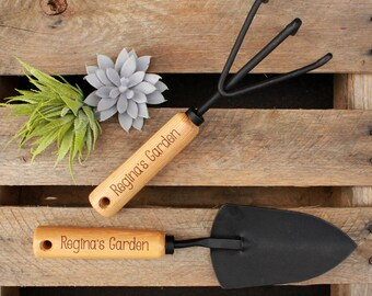 Personalized Garden Tools, Personalized Gardening Tools, Mother's Day Gift, Gifts for Mom, Gifts for Grandma, Garden Gift --GT-NW-REGINA