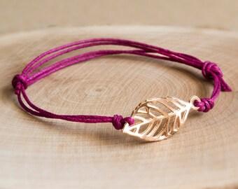 Feather bracelet violet/gold