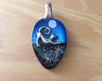 Black cat resin spoon pendant necklace