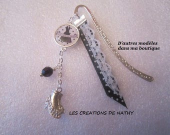 """Bookmark cabochon """"little black dress"""" shoe and Pearl charm"""