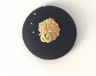 Embroidered knot brooch -  gold, unique wearable art