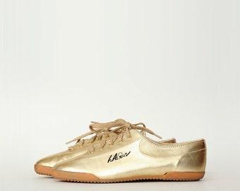Vintage Gold LA Gear Running Shoes 8