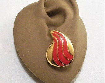 Red Swirl Paisley Disc Pierced Post Stud Earrings Gold Tone Vintage Three Stripe Long Curved Button Surgical Steel