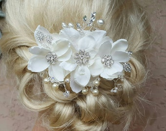 Bridal Hair Comb, Wedding Comb, Decorative Comb, Floral Wedding Comb, Rhinestone  Bridal Comb, Pearl wedding comb, Floral wedding hair comb