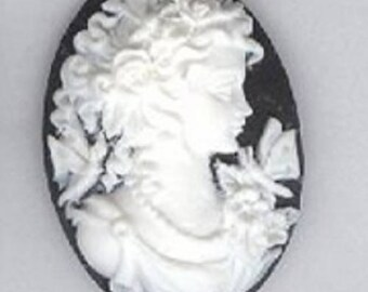 Little Lady resin cameos, 25mm x 18mm, set of 3 #cam158a
